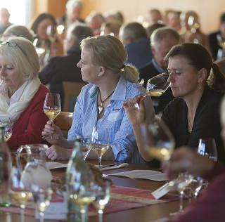 18.Juni – Fachliche Weinprobe mit Kellerführung